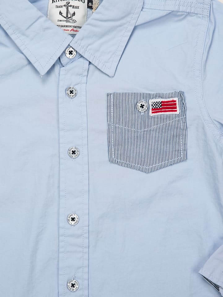 baby boy blue shirt details